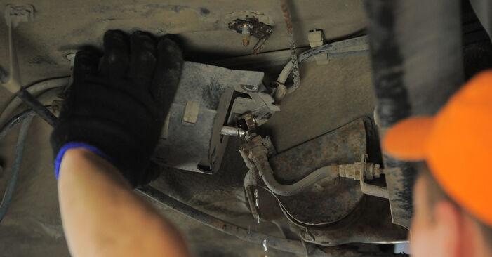Kraftstofffilter am VW GOLF III (1H1) 1.9 D 1996 wechseln – Laden Sie sich PDF-Handbücher und Videoanleitungen herunter