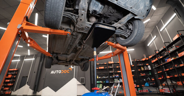 Bytte BMW 5 SERIES 525d 2.5 Hjullager: Veiledninger og videoer på nettet