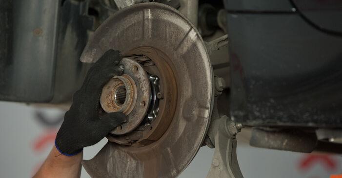Hvordan skifte Hjullager på BMW E60 2001 – gratis PDF- og videoveiledninger