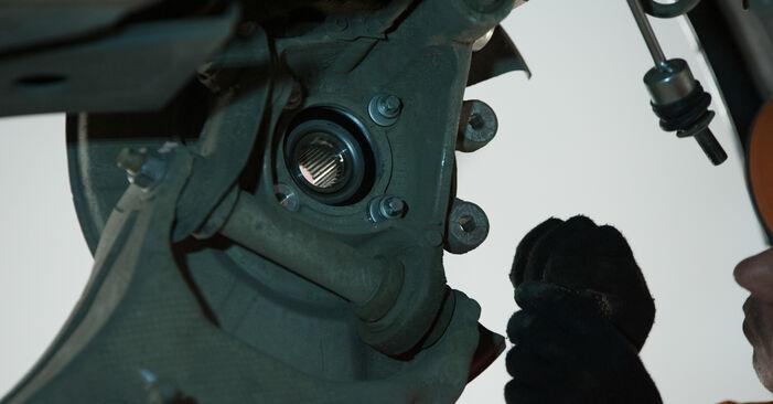 Slik bytter du BMW 5 Sedan (E60) 530d 3.0 2002 Hjullager selv – trinn-for-trinn veiledninger og videoer