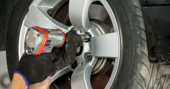 Trinn-for-trinn anbefalinger for hvordan du kan bytte BMW E60 2004 525d 3.0 Hjullager selv