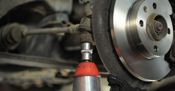 Spurstangenkopf beim VW GOLF 1.4 1998 selber erneuern - DIY-Manual