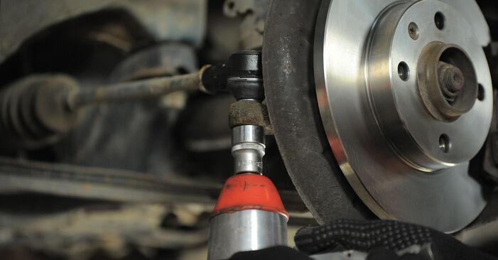 Tausch Tutorial Spurstangenkopf am VW GOLF III (1H1) 1995 wechselt - Tipps und Tricks