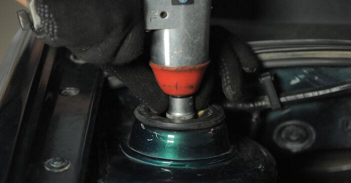 Tausch Tutorial Federn am VW GOLF III (1H1) 1995 wechselt - Tipps und Tricks
