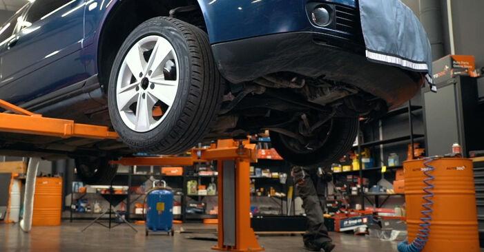 Wie schwer ist es, selbst zu reparieren: Federn Audi A4 B5 S4 2.7 quattro 2000 Tausch - Downloaden Sie sich illustrierte Anleitungen