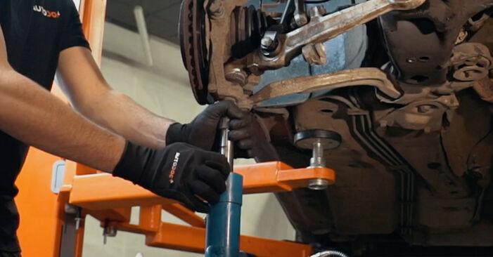 Federn Audi A4 B5 1.8 1996 wechseln: Kostenlose Reparaturhandbücher