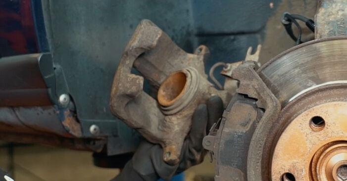 Bremsbeläge Ihres Audi A4 B5 1.6 1994 selbst Wechsel - Gratis Tutorial