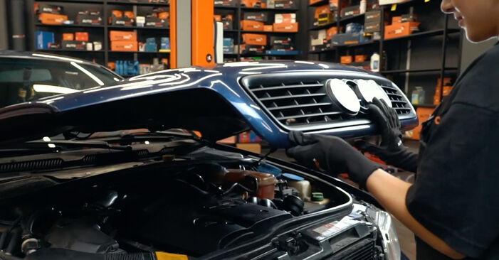 Wie Bremsscheiben Audi A4 B5 1.6 1994 tauschen - Kostenlose PDF- und Videoanleitungen