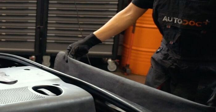 Wie Luftmassenmesser AUDI A4 Limousine (8D2, B5) 1.9 TDI 1995 austauschen - Schrittweise Handbücher und Videoanleitungen