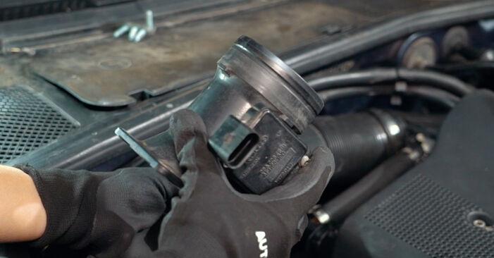 Luftmassenmesser Ihres Audi A4 B5 1.6 1994 selbst Wechsel - Gratis Tutorial