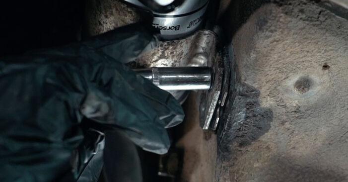 Tausch Tutorial Kraftstofffilter am AUDI A4 Limousine (8D2, B5) 1998 wechselt - Tipps und Tricks