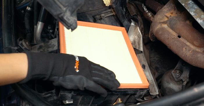 A4 Limousine (8D2, B5) 1.8 T quattro 1997 1.9 TDI Luftfilter - Handbuch zum Wechsel und der Reparatur eigenständig