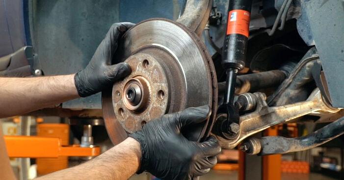 Wie schwer ist es, selbst zu reparieren: Achsmanschette Audi A4 B5 S4 2.7 quattro 2000 Tausch - Downloaden Sie sich illustrierte Anleitungen