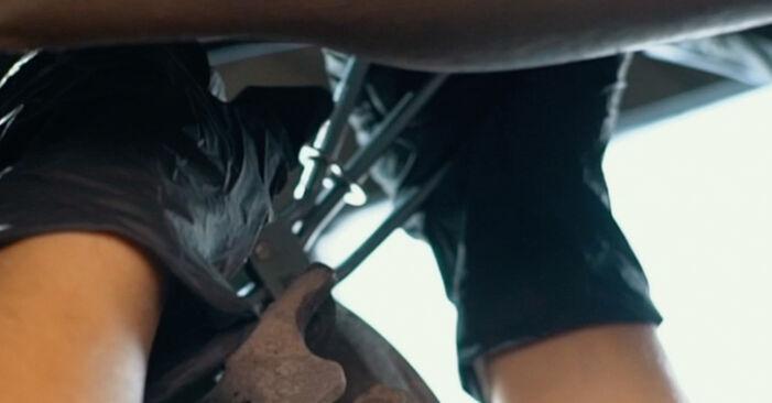 AUDI A4 1.6 Stabdžių apkaba keitimas: internetiniai gidai ir vaizdo pamokos