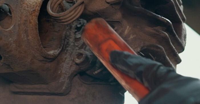 A4 Sedanas (8D2, B5) 1.8 T quattro 1997 Stabdžių apkaba savarankiško keitimo instrukcija