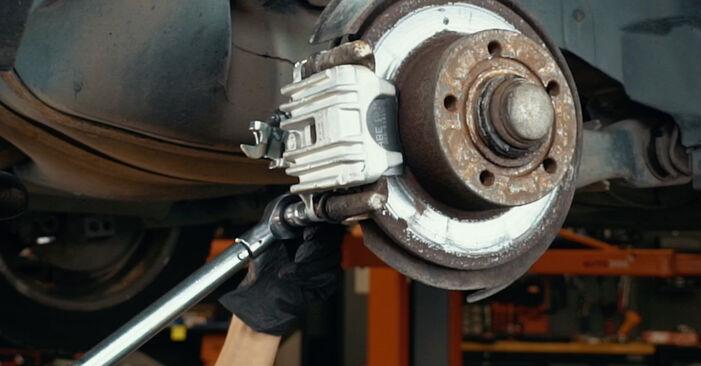 Ar sudėtinga pasidaryti pačiam: Audi A4 B5 S4 2.7 quattro 2000 Stabdžių apkaba keitimas - atsisiųskite iliustruotą instrukciją