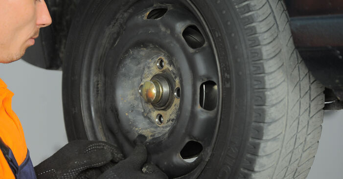 Zweckdienliche Tipps zum Austausch von Bremsbacken beim VW GOLF III (1H1) 1.8 1997