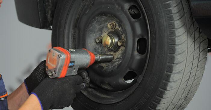 Wie VW GOLF 1.6 1995 Bremsbacken ausbauen - Einfach zu verstehende Anleitungen online