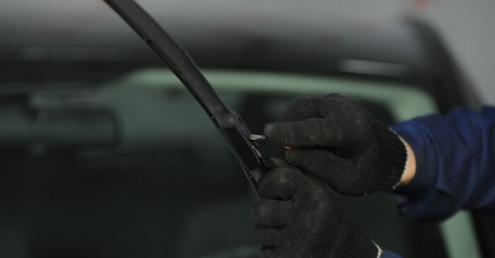 Scheibenwischer Dodge Caliber SRT4 2.0 2008 wechseln: Kostenlose Reparaturhandbücher