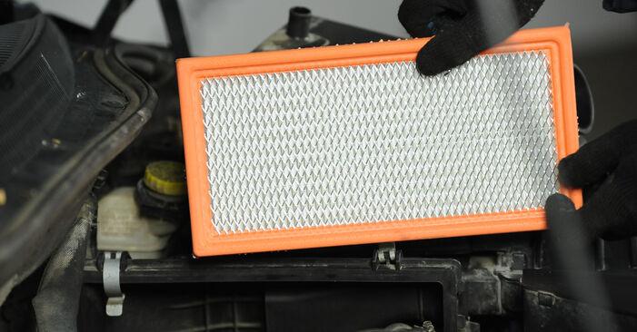 Luftfilter beim DODGE CALIBER 2.4 AWD 2013 selber erneuern - DIY-Manual