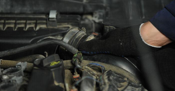 Luftfilter Dodge Caliber SRT4 2.0 2008 wechseln: Kostenlose Reparaturhandbücher