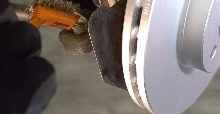 Austauschen Anleitung Spurstangenkopf am Opel Astra G CC 2008 1.6 16V (F08, F48) selbst