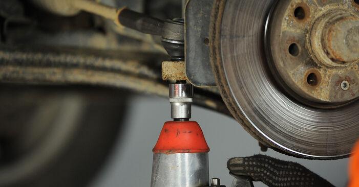 Schritt-für-Schritt-Anleitung zum selbstständigen Wechsel von Opel Astra G CC 1999 1.7 DTI 16V (F08, F48) Spurstangenkopf