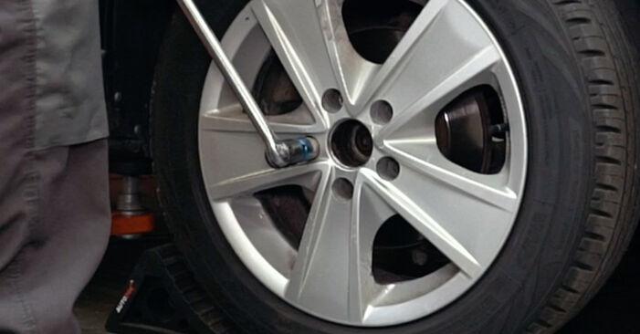 Audi A4 B5 1.9 TDI 1996 Wheel Bearing replacement: free workshop manuals