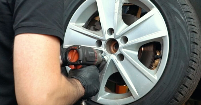 DIY replacement of Wheel Bearing on AUDI A4 Saloon (8D2, B5) 1.8 2000 is not an issue anymore with our step-by-step tutorial
