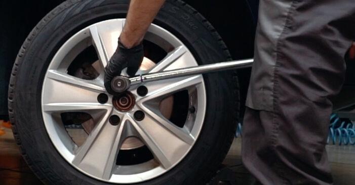 Hvordan skifte AUDI A4 2001 ABS Sensor trinn–for–trinn veiledning