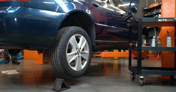Federn am AUDI A4 Limousine (8D2, B5) 1.9 TDI quattro 1999 wechseln – Laden Sie sich PDF-Handbücher und Videoanleitungen herunter