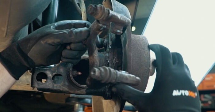 Austauschen Anleitung Radlager am Audi A4 B5 1996 1.6 selbst