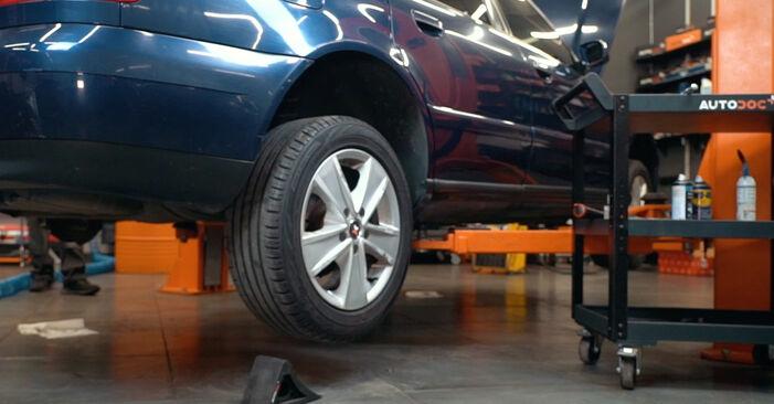 Wie Radlager AUDI A4 Limousine (8D2, B5) 1.9 TDI 1995 austauschen - Schrittweise Handbücher und Videoanleitungen