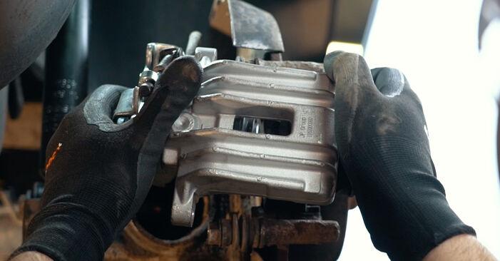 Wie schwer ist es, selbst zu reparieren: Radlager Audi A4 B5 S4 2.7 quattro 2000 Tausch - Downloaden Sie sich illustrierte Anleitungen