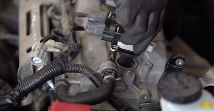 Wie Zündspule Nissan Qashqai j10 1.5 dCi 2006 tauschen - Kostenlose PDF- und Videoanleitungen
