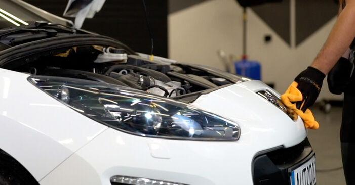Luftfilter Peugeot 308 I 2.0 HDi 2009 wechseln: Kostenlose Reparaturhandbücher