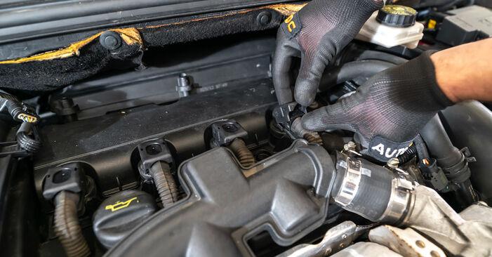 Steg-för-steg-rekommendationer för att byta Peugeot 308 I 2010 1.6 HDi Tändstift på egen hand