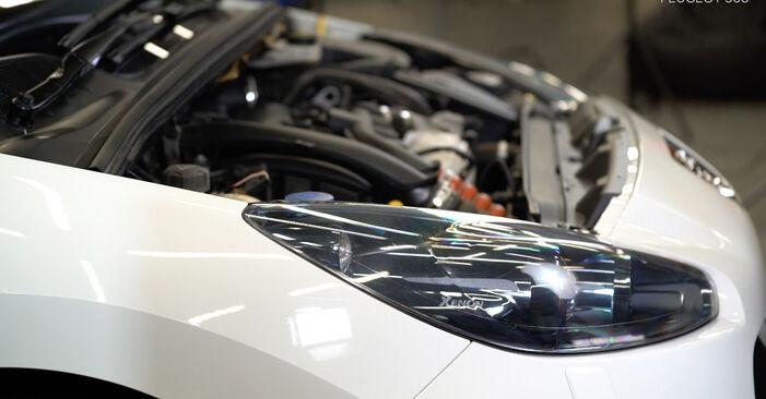 Byta PEUGEOT 308 I Hatchback (4A_, 4C_) 2.0 HDi 2011 Tändstift – gör det själv med onlineguide
