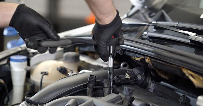 Så byter du Tändstift på PEUGEOT 308 I Hatchback (4A_, 4C_) 2012: ladda ned PDF-manualer och videoinstruktioner