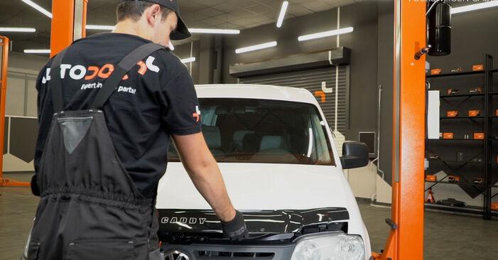 Wechseln Ölfilter am VW Caddy III Kombi (2KB, 2KJ, 2CB, 2CJ) 1.6 2007 selber