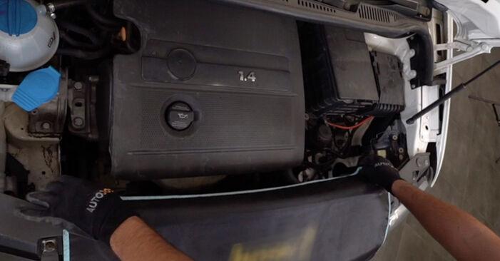 Så byter du VW Caddy III Kombi (2KB, 2KJ, 2CB, 2CJ) 1.9 TDI 2005 Tändspole – manualer och videoguider att följa steg för steg
