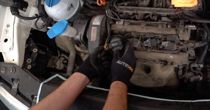 Så tar du bort VW CADDY 2.0 TDI 16V 2008 Tändspole – instruktioner som är enkla att följa online