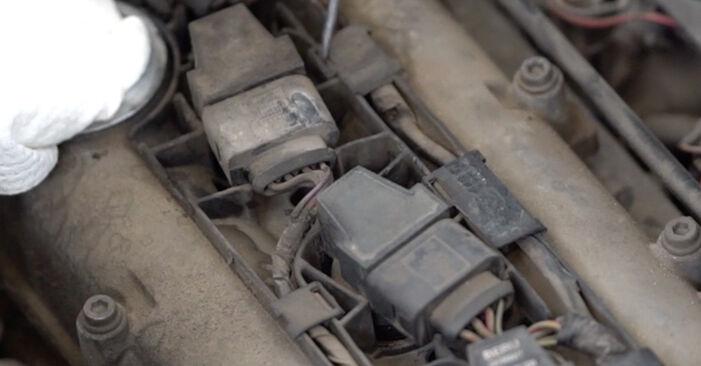Så lång tid tar det att byta Tändspole på VW Caddy 3 2012 – informativ PDF-manual