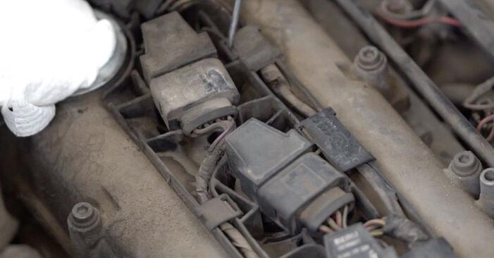 VW CADDY 1.9 TDI Uždegimo žvakė keitimas: internetiniai gidai ir vaizdo pamokos