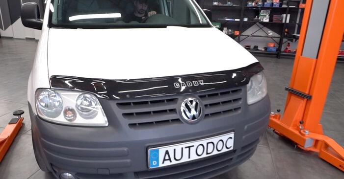 Kaip pakeisti VW Caddy III Universalas (2KB, 2KJ, 2CB, 2CJ) 2004 Uždegimo žvakė - patarimai ir gudrybės