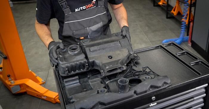 VW CADDY 1.6 TDI Luftfilter ausbauen: Anweisungen und Video-Tutorials online