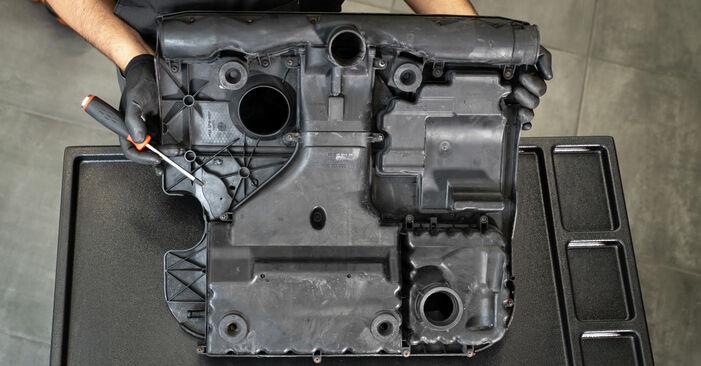 Wie VW CADDY 2.0 TDI 16V 2008 Luftfilter ausbauen - Einfach zu verstehende Anleitungen online