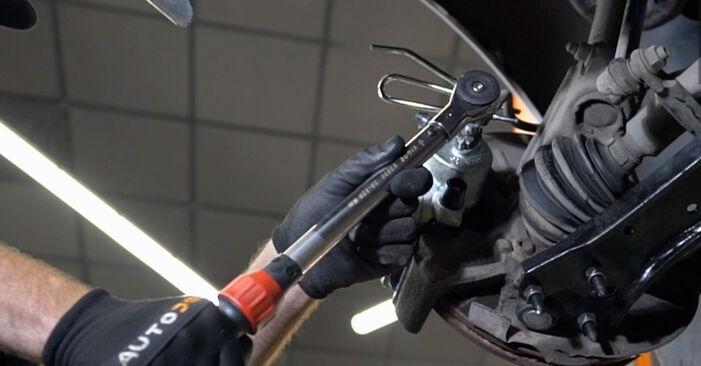 Cómo es de difícil hacerlo usted mismo: reemplazo de Pinzas de Freno en un VW Caddy 3 2.0 SDI 2010 - descargue la guía ilustrada