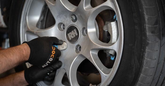 Reemplazo de Pinzas de Freno en un VW CADDY 1.9 TDI: guías online y video tutoriales