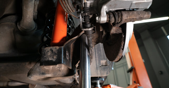 Stoßdämpfer am AUDI A3 Schrägheck (8L1) S3 1.8 2001 wechseln – Laden Sie sich PDF-Handbücher und Videoanleitungen herunter